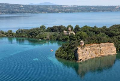 Lago di Bolsena -VT - veduta aerea dell'Isola Bisentina