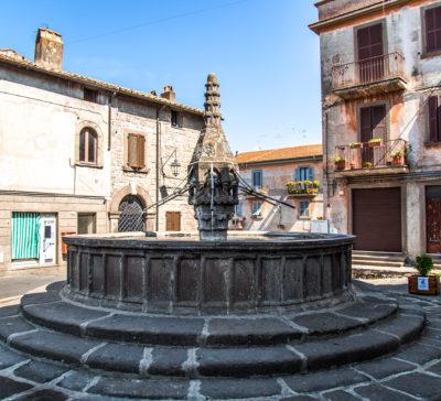 Viterbo - Fontana di Piano nel quartiere di Pianoscarano